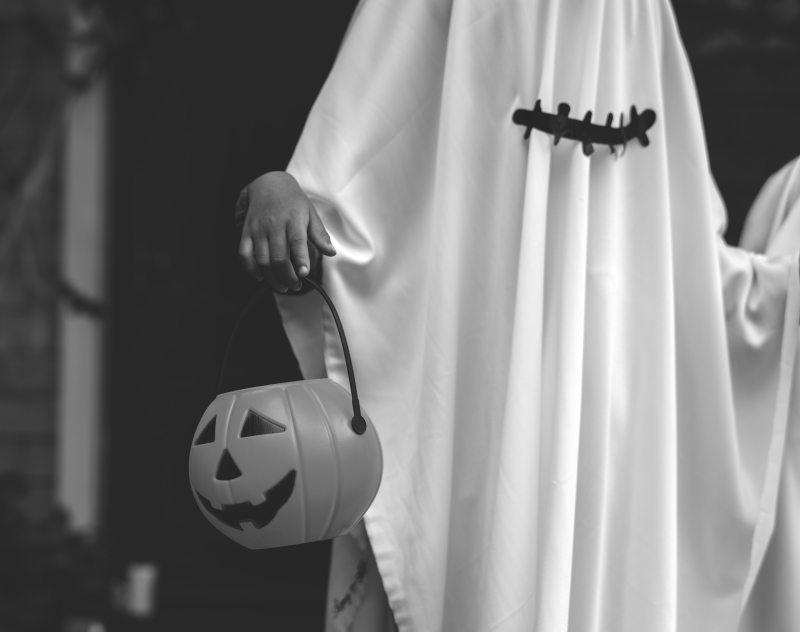 black-and-white-black-and-white-costume-1432919.jpg