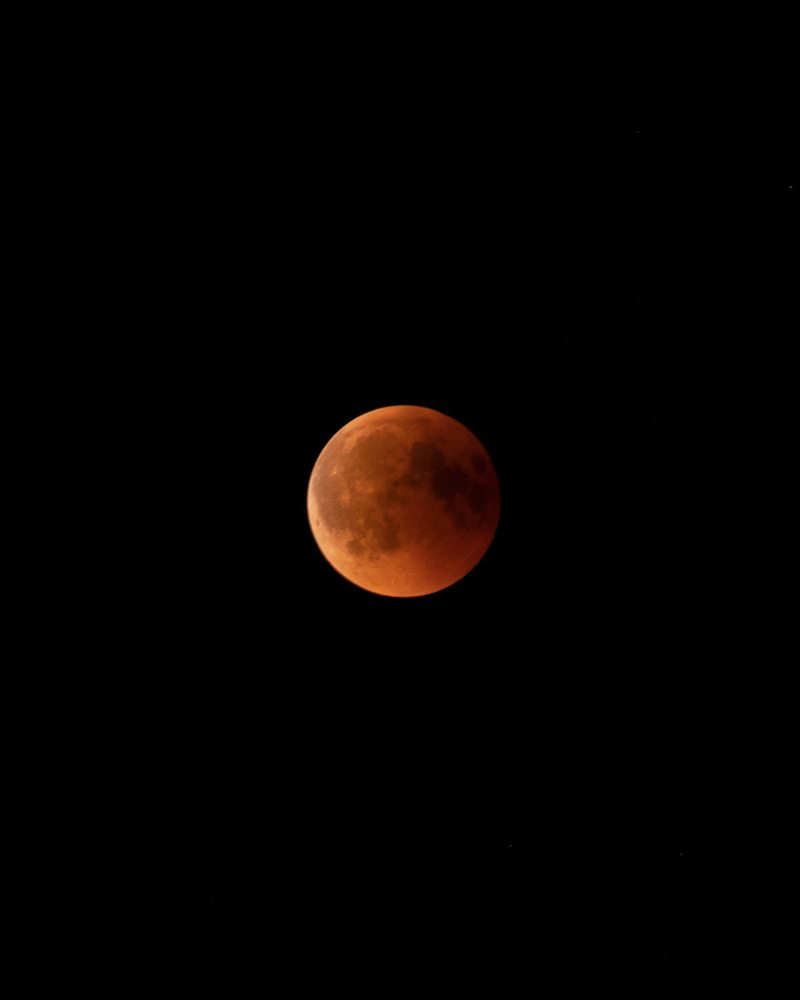 android-wallpaper-bloodmoon-crater-1302436.jpg